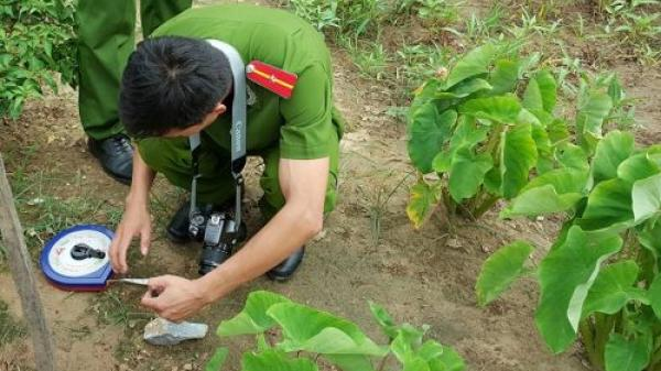 Quảng Bình: Chồng tử vong, vợ bị thương nặng do mìn nổ trong vườn
