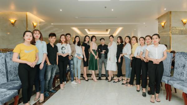 """Hàng trăm thí sinh dự tuyển người mẫu cho """"Tuần lễ văn hóa du lịch Đồng Hới 2018"""""""