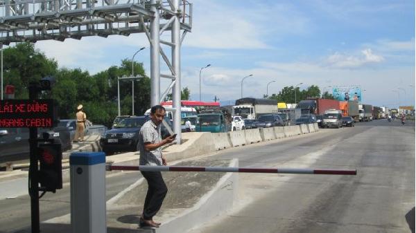 Quảng Bình đề nghị miễn giảm giá dịch vụ đường bộ cho 12.000 xe qua hai trạm BOT
