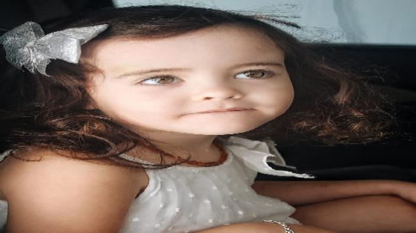 Đổ rụp trước bé gái lai gốc Việt sở hữu đôi mắt đẹp hút hồn