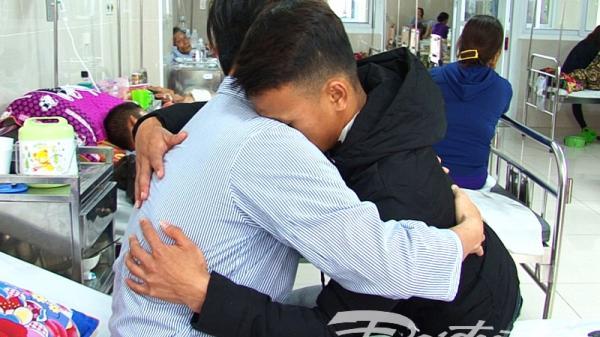 Vụ học sinh đâm thầy giáo ở Quảng Bình: Học sinh vào viện xin lỗi thầy