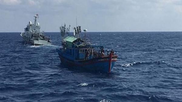 Tích cực tìm kiếm một thuyền viên mất tích bí ẩn trên vùng biển Quảng Bình