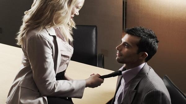 Bi kịch cuộc tình vụng trộm giữa giám đốc và nữ tiếp viên