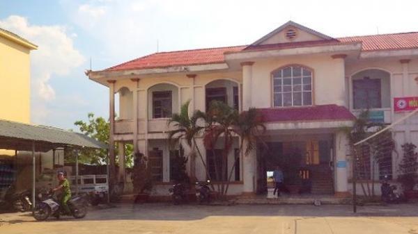 Quảng Bình: UBND thị xã Ba Đồn phê bình Chủ tịch phường, dỡ bỏ bảng hiệu Bảo hiểm PVI