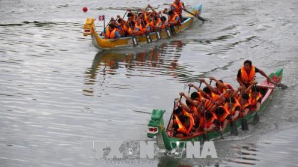 Quảng Bình tham gia giải đua thuyền truyền thống quốc gia năm 2018