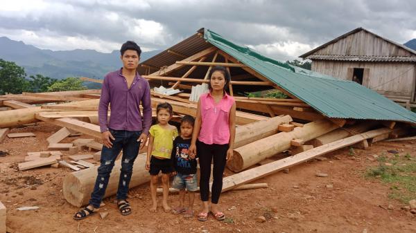 Minh Hóa: Lốc xoáy làm sập nhà dân