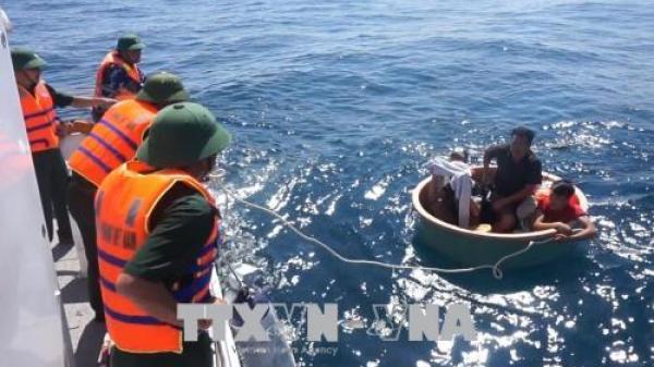 Quảng Bình: Cứu thành công 4 ngư dân gặp nạn trên biển