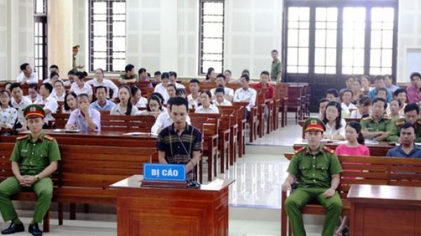 """Quảng Bình: Kẻ sát nhân thay đổi lời khai, tòa hoãn xử vụ """"giết bạn chôn xác"""""""