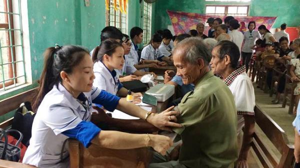 Tuyên Hóa: Tổ chức khám chữa bệnh, cấp phát thuốc miễn phí