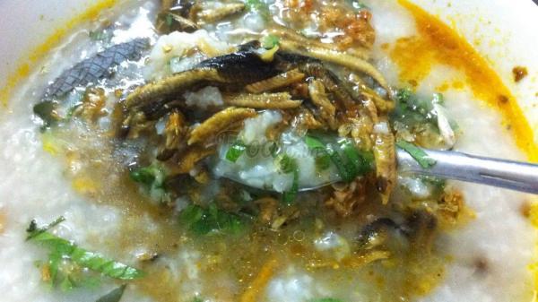 """Bật mí địa điểm thưởng thức món cháo lươn """"ngon trọn vị đồng quê"""" ở Đồng Hới"""