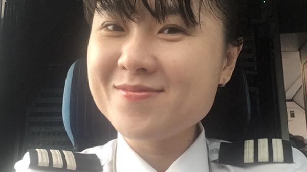 Chân dung bóng hồng chinh phục bầu trời - nữ cơ trưởng Việt Nam đầu tiên của hãng hàng không giá rẻ