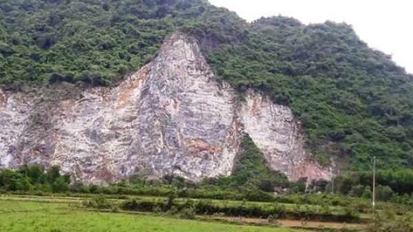 Quảng Bình: Lên đỉnh núi khoan đá, một công nhân rơi xuống đất tử vong