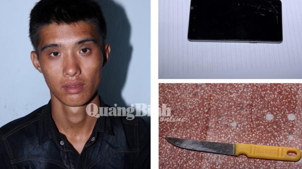 Quảng Bình: Tên cướp hung hãn kề dao vào cổ chủ nhà giật chiếc điện thoại