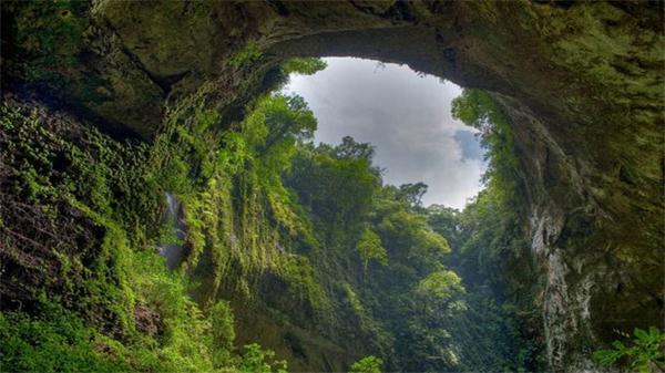 Hang Sơn Đoòng xếp thứ 6/15 hang động đẹp nhất thế giới