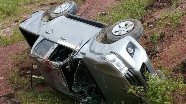 Quảng Bình: Lật xe bán tải, 4 người thương vong