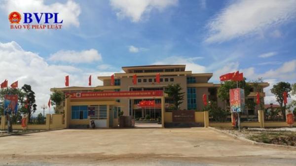 Quảng Bình: Kiểm điểm Bí thư Huyện ủy bổ nhiệm 36 người họ hàng làm quan