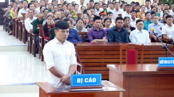 Cán bộ địa chính-xây dựng xã Hoàn Trạch nhận tội, lĩnh án 18 năm tù giam