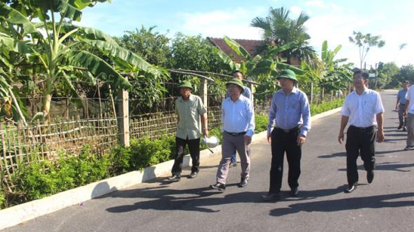 Lãnh đạo UBND tỉnh Quảng Bình trao đổi kinh nghiệm xây dựng nông thôn mới tại Hà Tĩnh