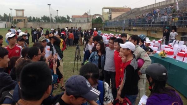 Người dân Quảng Bình háo hức trước trận bóng gây quỹ từ thiện của dàn sao xứ Nghệ