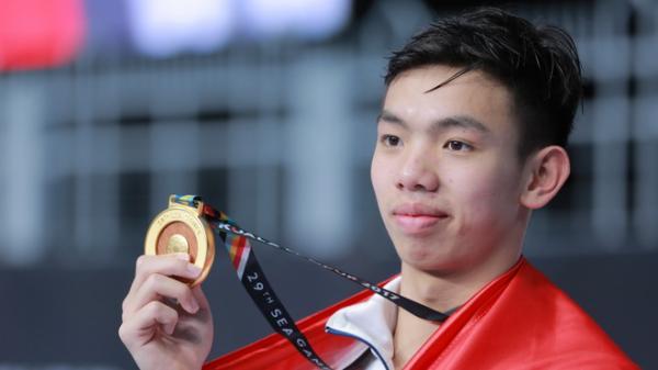 Nguyễn Huy Hoàng: Nhà vô địch phấn khởi vì được… lên TV