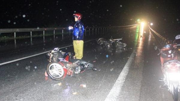 Quảng Bình: Ô tô t.ông hàng loạt xe máy, 3 người nhập viện c.ấp c.ứu
