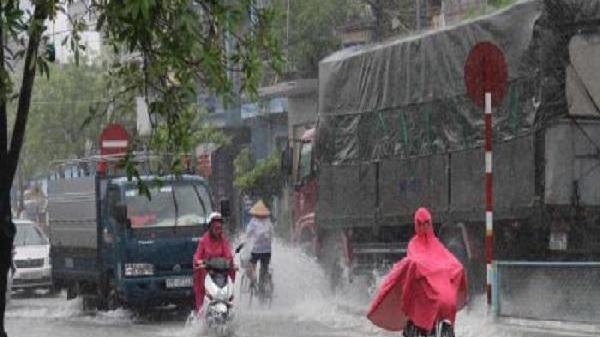 Dự báo thời tiết ngày 12/12: Từ Nghệ An đến Quảng Ngãi có nơi mưa rất to, Hà Nội vẫn rét đậm
