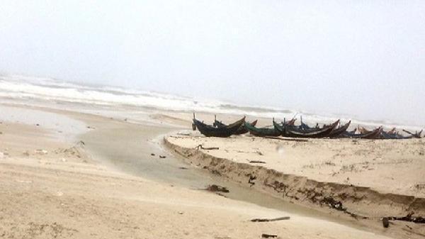 Phát hiện thi thể không đầu, cụt tứ chi bên bờ biển Quảng Bình