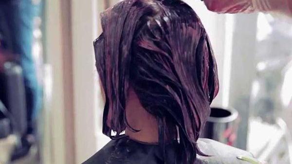 Người phụ nữ mắc ung th.ư do nhuộm tóc, con gái đau lòng để mẹ 'ch.ết tự nguyện'