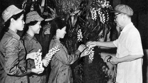 Nữ dân quân Quảng Bình được Bác Hồ ví đẹp hơn hoa phong lan