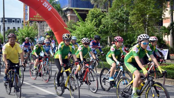 TP. Đồng Hới tổ chức giải đua xe đạp Đại hội TDTT thành phố lần thứ VIII