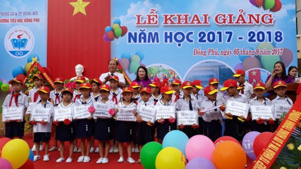 Trường tiểu học Đồng Phú (TP. Đồng Hới): Quyên góp và tặng quà gần 140 triệu đồng tại lễ khai giảng
