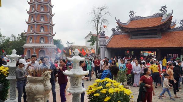 Hơn 10 ngàn lượt người tham quan chùa Hoằng Phúc dịp Tết Kỷ Hợi