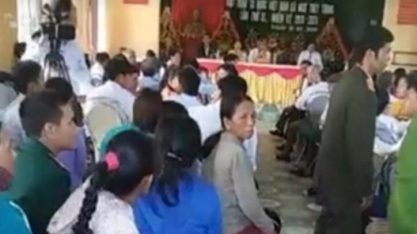 Quảng Bình: Người dân kéo đến phản đối Chủ tịch xã bị cách chức ứng cử Chủ tịch Mặt trận