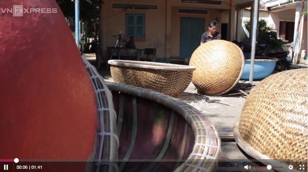 Nông dân quê Quảng Bình đan thuyền thúng bán sang châu Âu