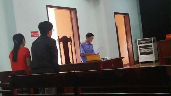 Hai gia đình trẻ quê ở Quảng Bình, Quảng Trị hết tình vì cái hàng rào