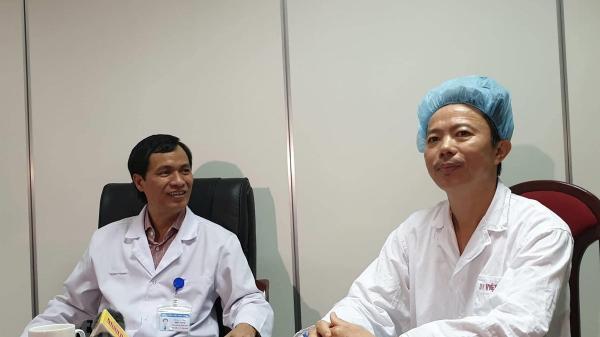 Các bác sỹ Việt Nam thực hiện thành công ca mổ u não thức tỉnh cho bệnh nhân người Quảng Bình