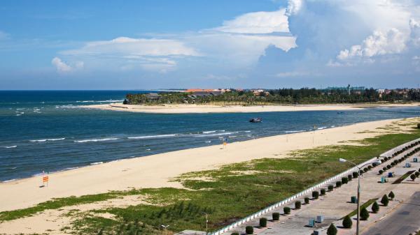 Nét đẹp hoang sơ biển Nhật Lệ - Quảng Bình
