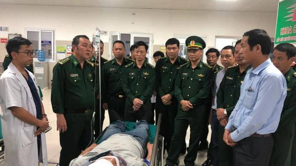 Chặn b ắt vụ vận chuyển 110.000 viên m a t úy, một trinh sát biên phòng Quảng Bình bị đ âm trọng thương