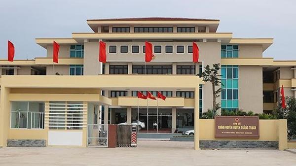 Quảng Bình: 5 cựu hiệu trưởng bị yêu cầu kiểm điểm vì cùng giáo viên khai khống hồ sơ