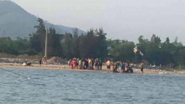 Quảng Bình: Cảm phục 2 thanh niên c ứu thành công 5 em nhỏ đang chới với dưới sông