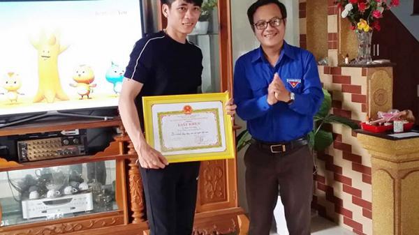 Khen thưởng 2 thanh niên Quảng Bình kịp thời cứu 5 em nhỏ bị đuối nước