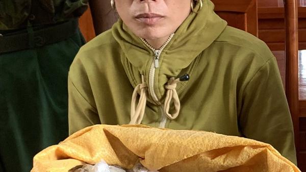 Quảng Bình: B ắt đối tượng vận chuyển hơn 9kg thuốc n ổ