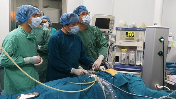 Bệnh viện hữu nghị Việt Nam-Cuba Đồng Hới triển khai thành công phẫu thuật nội soi tuyến giáp