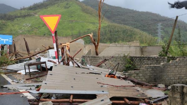 Quảng Trạch: Tan hoang nơi tâm bão đi qua