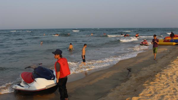 Quảng Bình: Chất lượng nước biển ven bờ đạt quy chuẩn cho phép