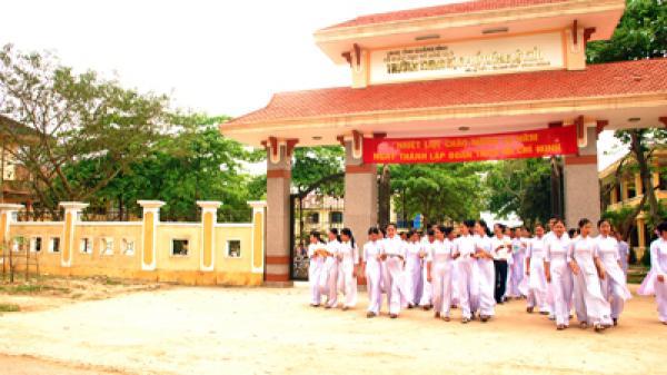 Cấp Bằng công nhận Trường Trung học đạt chuẩn Quốc gia năm 2017