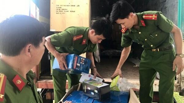 Quảng Bình: Bắt giữ xe tải vận chuyển số lượng lớn hàng nhập lậu