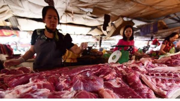 Giá thịt lợn tăng mạnh, tim lợn bán với giá 305.000đ/kg