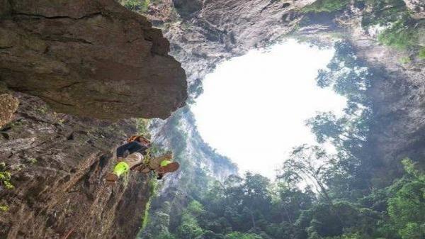 Thế giới kỳ vĩ trong hệ hống hang Hổ - Quảng Bình