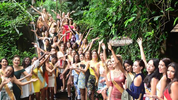 Hoa hậu Hòa bình thế giới ngỡ ngàng trước sự mến khách của người dân Quảng Bình